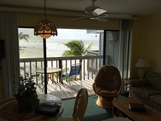 Lahaina Inn Resort: photo1.jpg