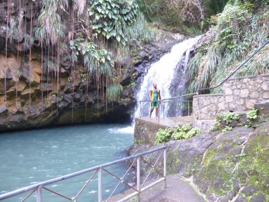 Annandale Falls: One of the jumpers can be seen in this picture