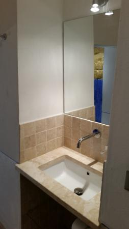 Agriturismo Poggiacolle: the bathroom