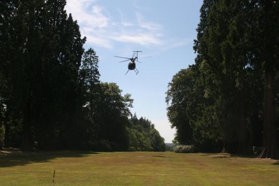 Rotherwick, UK: Main lawn, helipad!