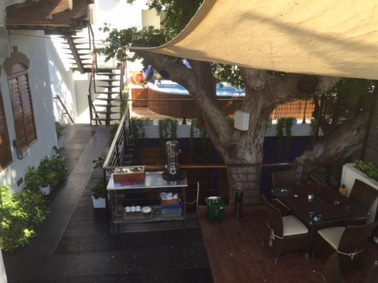 Casa de Isabella - a Kali Hotel: Door Inside Room