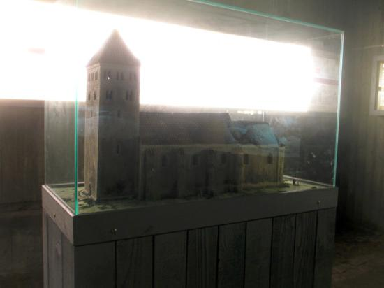 Lund, Suecia: A model of the stone church as it looked like in the beginning och the twelth century
