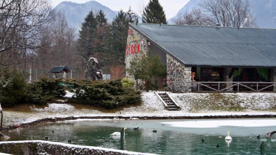 Amaro, Italien: Una leggera nevicata dei primi giorni di Gennaio