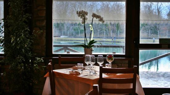 Bar/Ristorante Cison: Un tavolo con vista sul Lago