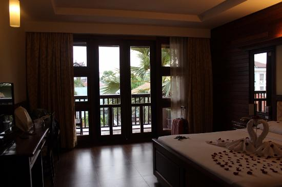 City River Hotel: Our room