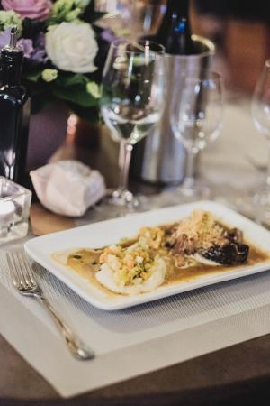 La cuisine fait maison picture of vinauberge poilhes for Cuisine fait maison