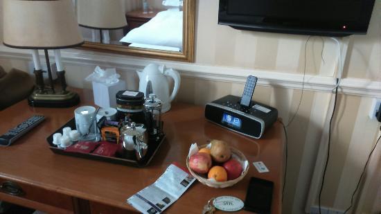 Royal Hotel: DSC_0094_large.jpg
