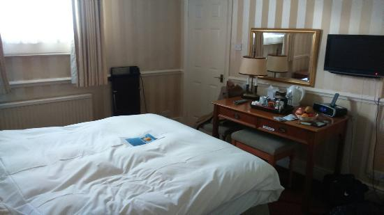 Royal Hotel: DSC_0092_large.jpg