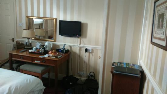 Royal Hotel: DSC_0091_large.jpg