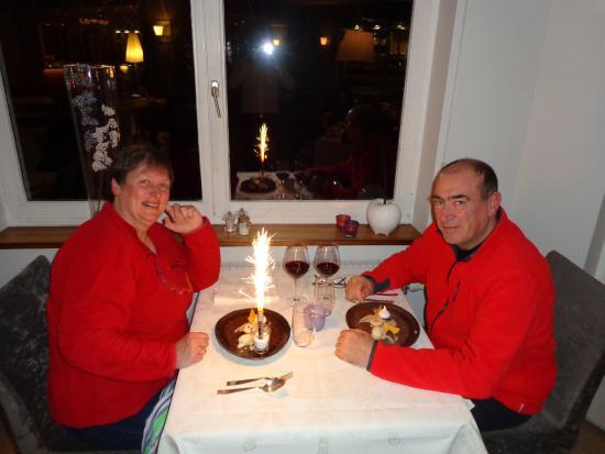 """Rochefort, بلجيكا: Petit plus pour l'anniversaire de mon épouse avec le """"Happy birthday"""" traditionnel."""
