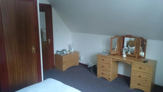 Torlundy, UK: En-suite room very clean, nicely decorated, warm. Excellent!