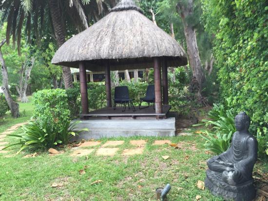 Grande Riviere Noire: Zen shelter in the garden