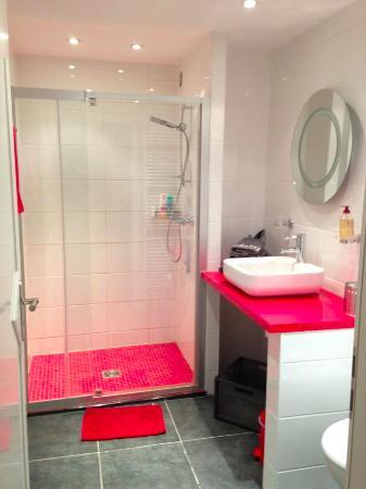 Chambres des quatre coins du monde: salle de bains