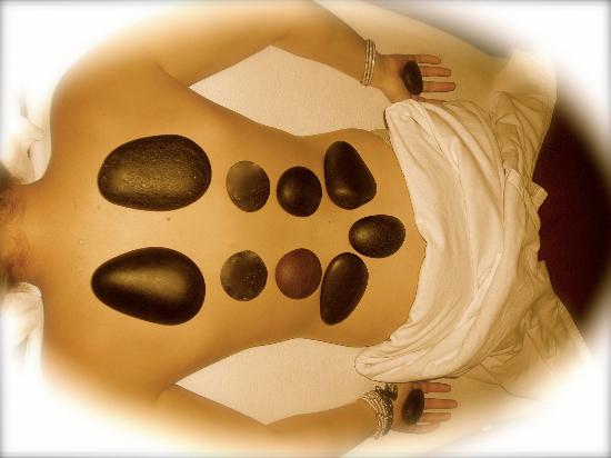 Hot stone massage for lower back pain-2385