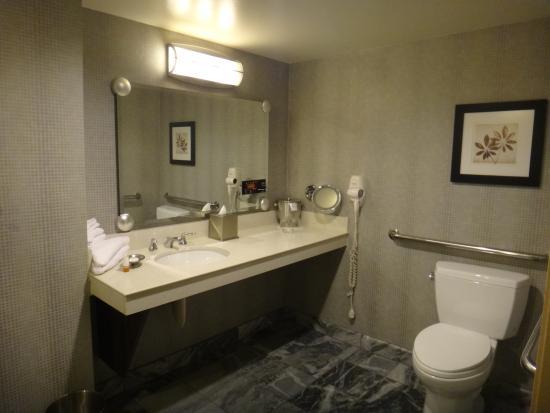 bathroom picture of new york new york hotel and casino las rh tripadvisor ca