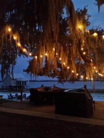 Ocklawaha, ฟลอริด้า: Sitting at the lake at night