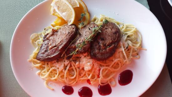 Kospallag, ฮังการี: Roasted boar with lime spaghetti
