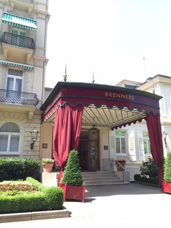 Brenners Park-Restaurant: O restaurante é anexo ao hotel e spa, onde personalidades políticas e artistas costumam ficar.