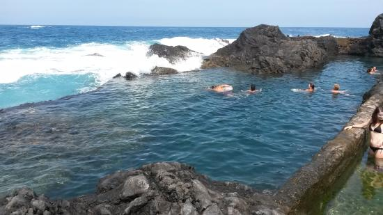 Les piscines naturelles de garachico photo de piscinas for Piscinas naturales en el sur de tenerife
