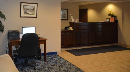 Mount Orab, OH: Front Desk and Business Center