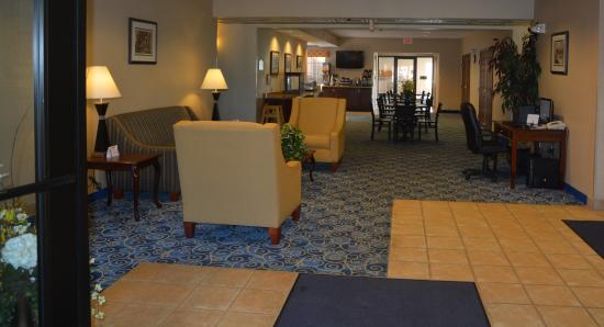 Mount Orab, OH: Lobby and Breakfast Area