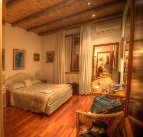 La Quercia Antica: camera appartamento piano terra