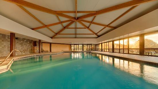 Evora hotel vora 634 fotos compara o de pre os e 586 for Piscina interior