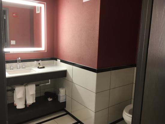 bathroom picture of park central hotel new york new york city rh tripadvisor com