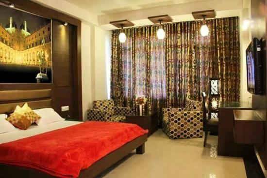 Hotel Namaskar Residency: received_533123636850393_large.jpg