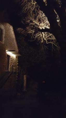 L'Atelier Du Relais : Vue nocturne...