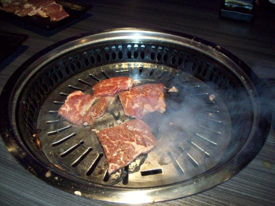 Gen Korean BBQ House: Tableside cooking