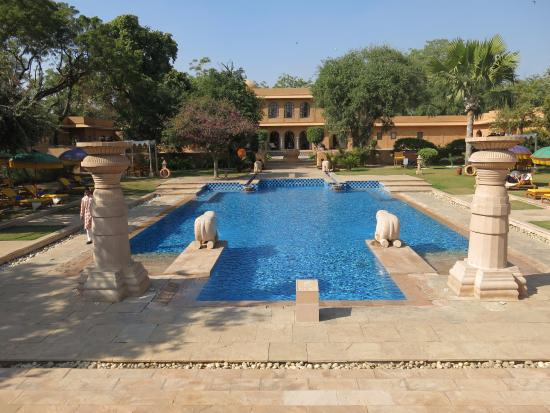 The Oberoi Rajvilas: Magnificent Pool
