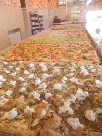 Province of Teramo, Italia: Pizze gusti vari....
