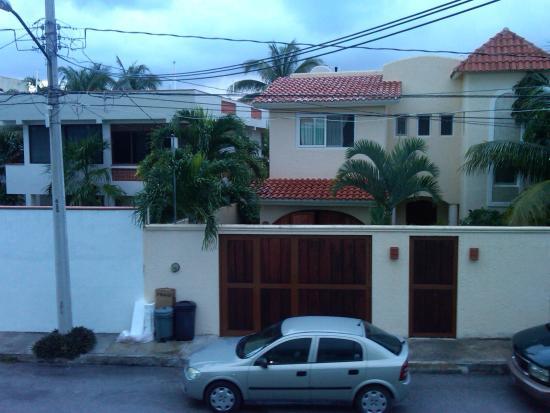 view from 2nd floor walkway hotel eden puerto morelos - neighborhood