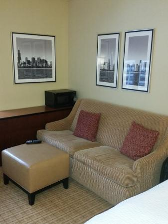 sofa bed picture of courtyard chicago downtown river north rh tripadvisor com