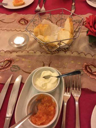 Busot, Spanje: Sehr leckeres Essen und sehr freundliche und aufmerksame Gastgeber. Sehr empfehlenswert!