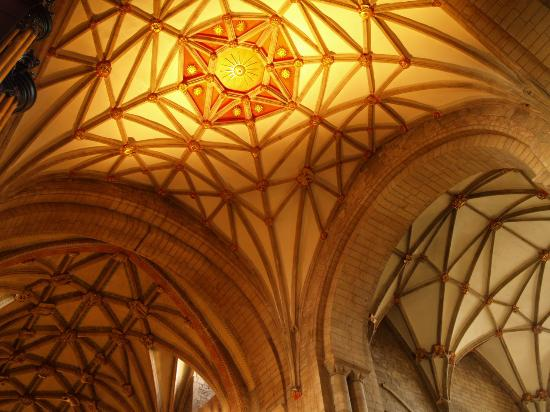 Tewkesbury Abbey: Picture of the beautiful ceiling in the Abbey