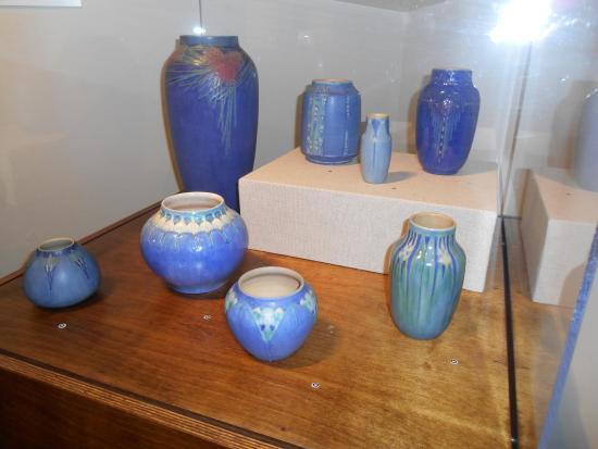 Madame John's Legacy: Newcomb Pottery