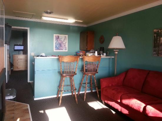 Beachwalker Inn: Room #208