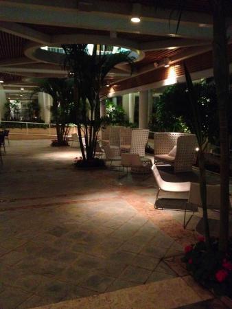 Isrotel Yam Suf Hotel: Многочисленные уголки отдыха