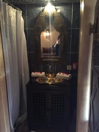 Riad du Petit Prince: beautiful bathroom