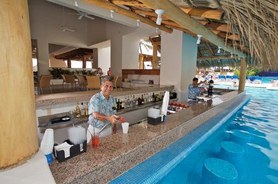 Park Royal Ixtapa: Bar Langosta