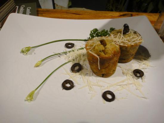 Bugs Cafe: Savory Cupcakes (crickets/silkworms)