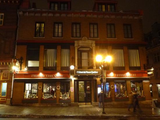 Hotel du Vieux-Quebec: Hotel Front