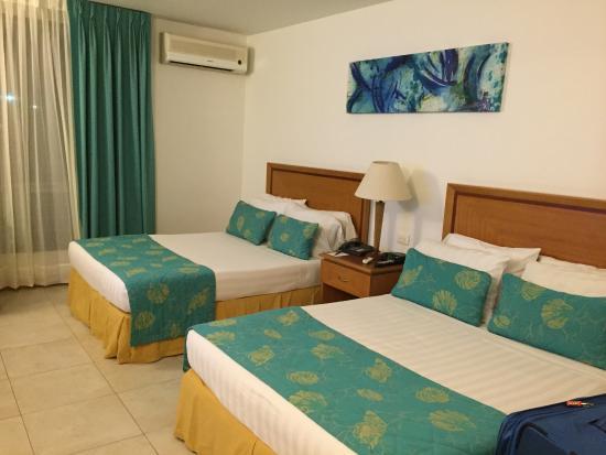 Estelar Santamar Hotel & Convention Center: Camera hotel