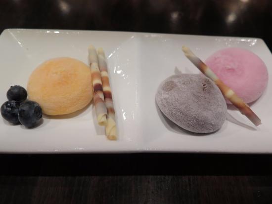 Haiku, HI: Mango, coffee and strawberry mochi