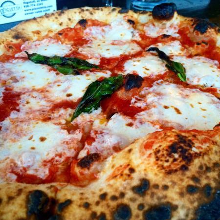 Pizzicletta : Margherita pizza. Mmmm.
