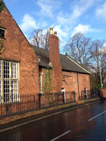 Lichfield, UK: A lovely Antiques & Vintage centre beside Minster Pool