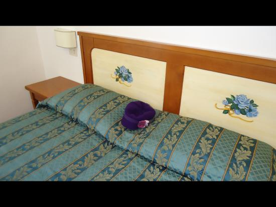 Hotel Sempione: Cama