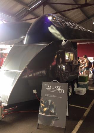 Toorak, Australia: Love the mussel food truck design